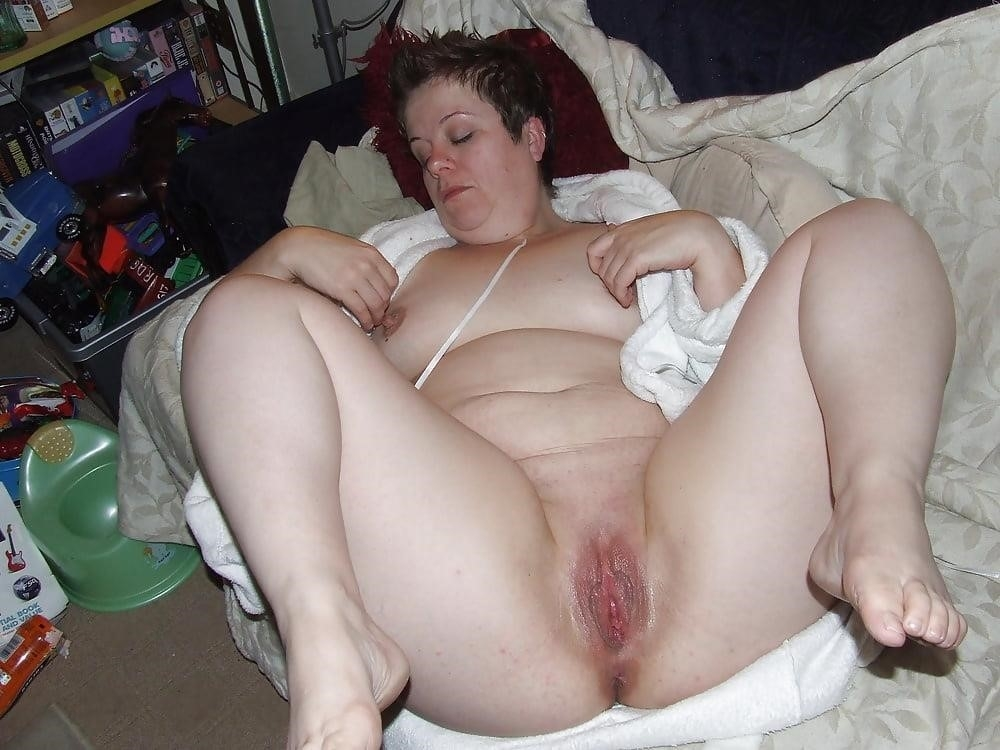 Girls showing their clits-8539