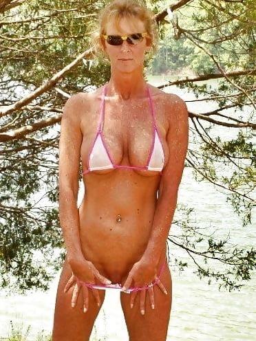 Beautiful mature women in bikinis-2615