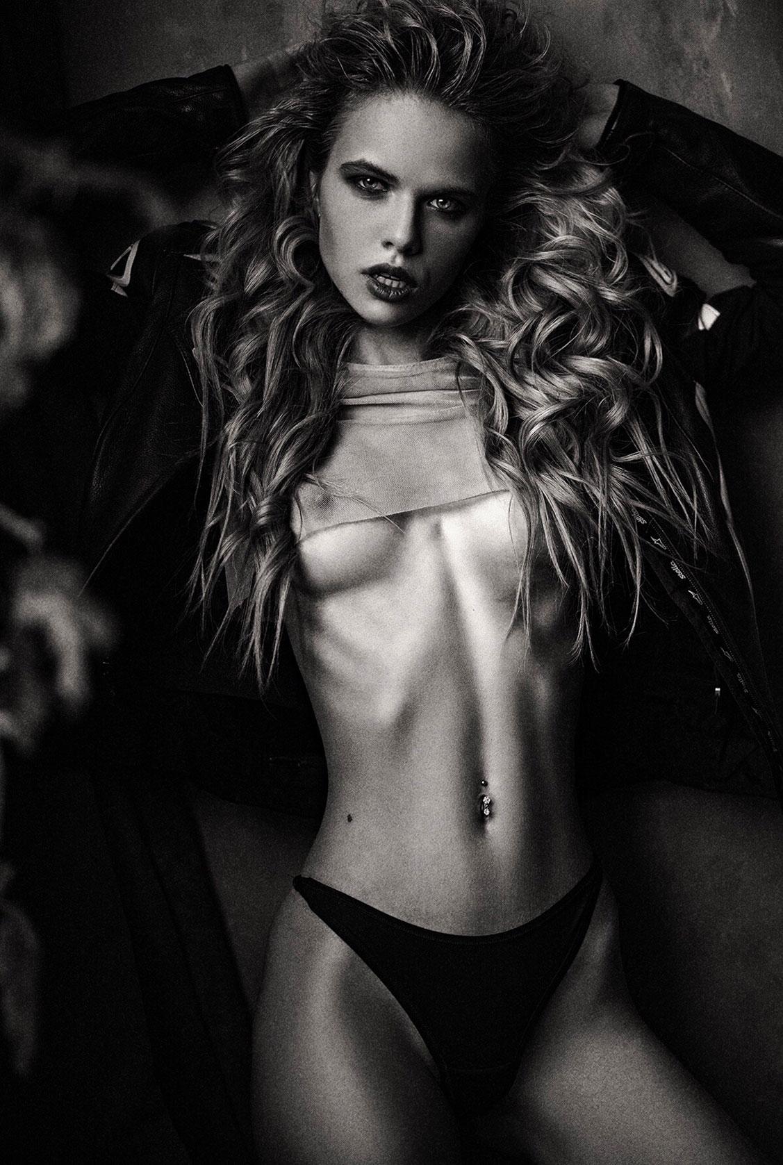 Александра Смелова, фотограф Алексей Трифонов / Alexandra Smelova nude by Alexey Trifonov