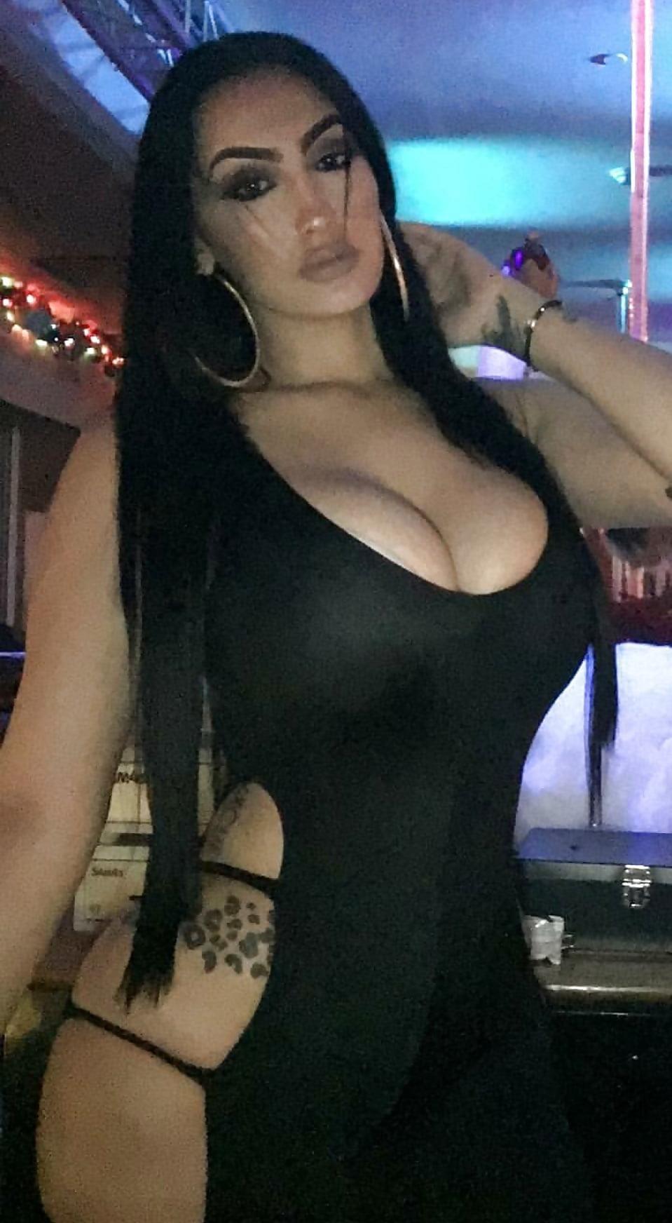 Ebony booty boobs-9889