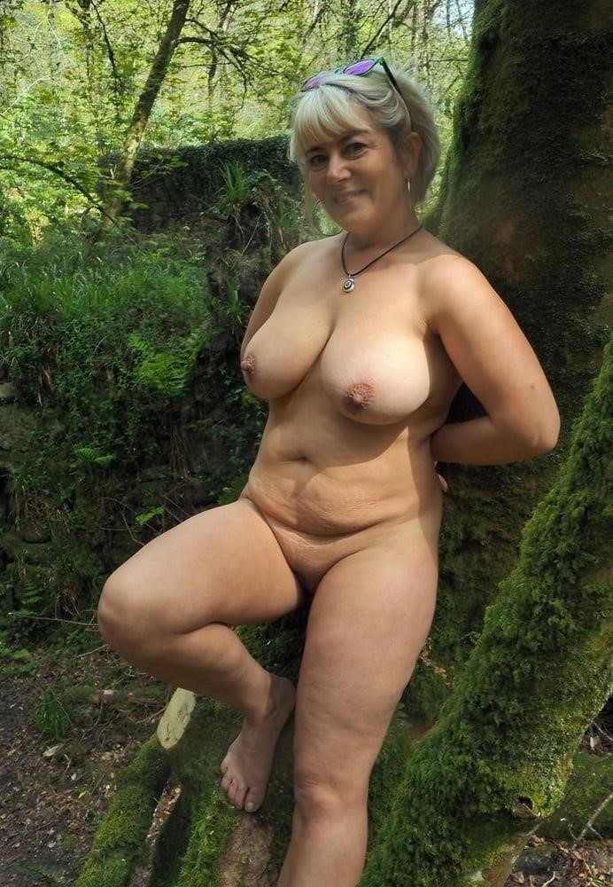 Pics mature pantyhose-9421