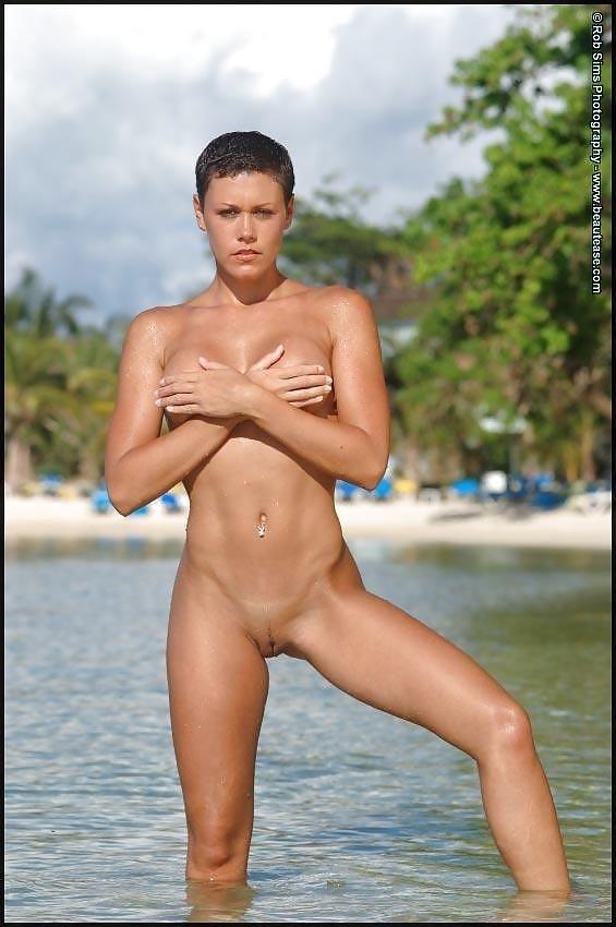Beautiful fit naked women-6294