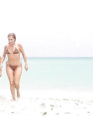 Beautiful mature women in bikinis-9960