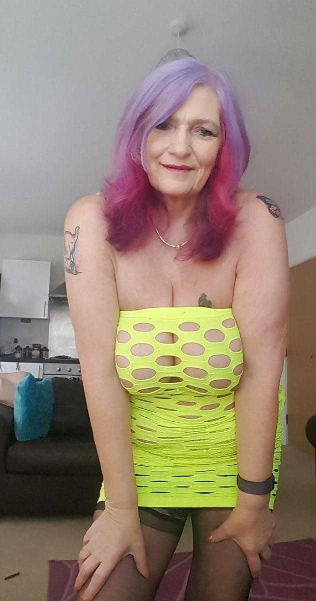 Sexy boobs feeding-2440