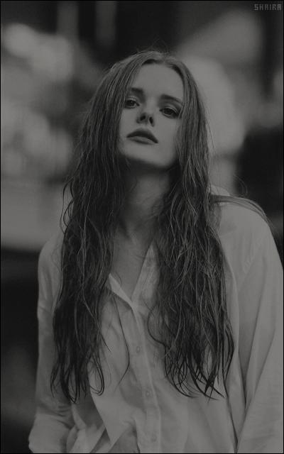Abigail Cowen Ce7Ck1ta_o