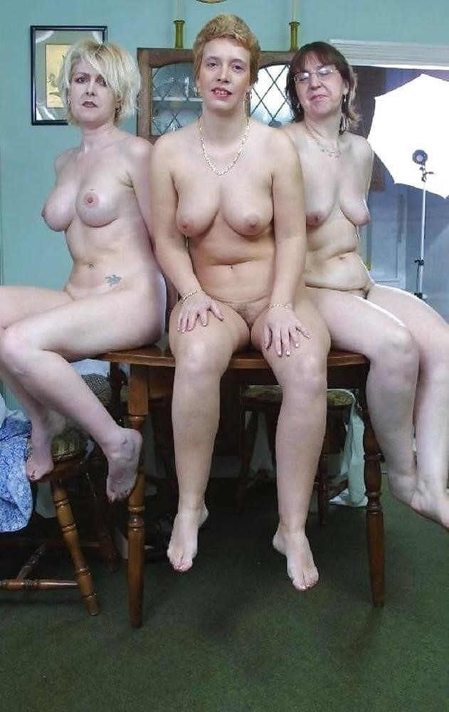 Nude mature lesbians-2044