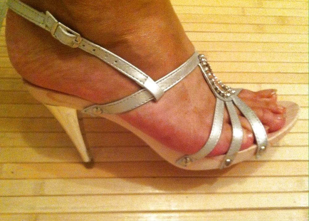 Natural tits high heels-7108