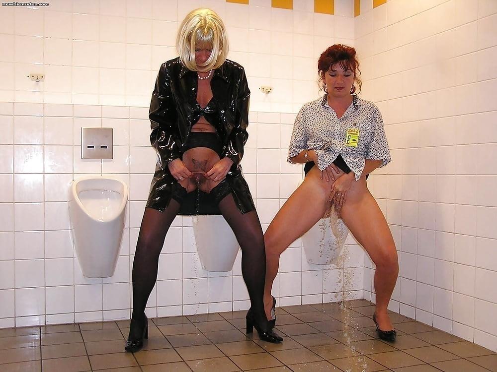 Men having sex in public toilets-5730