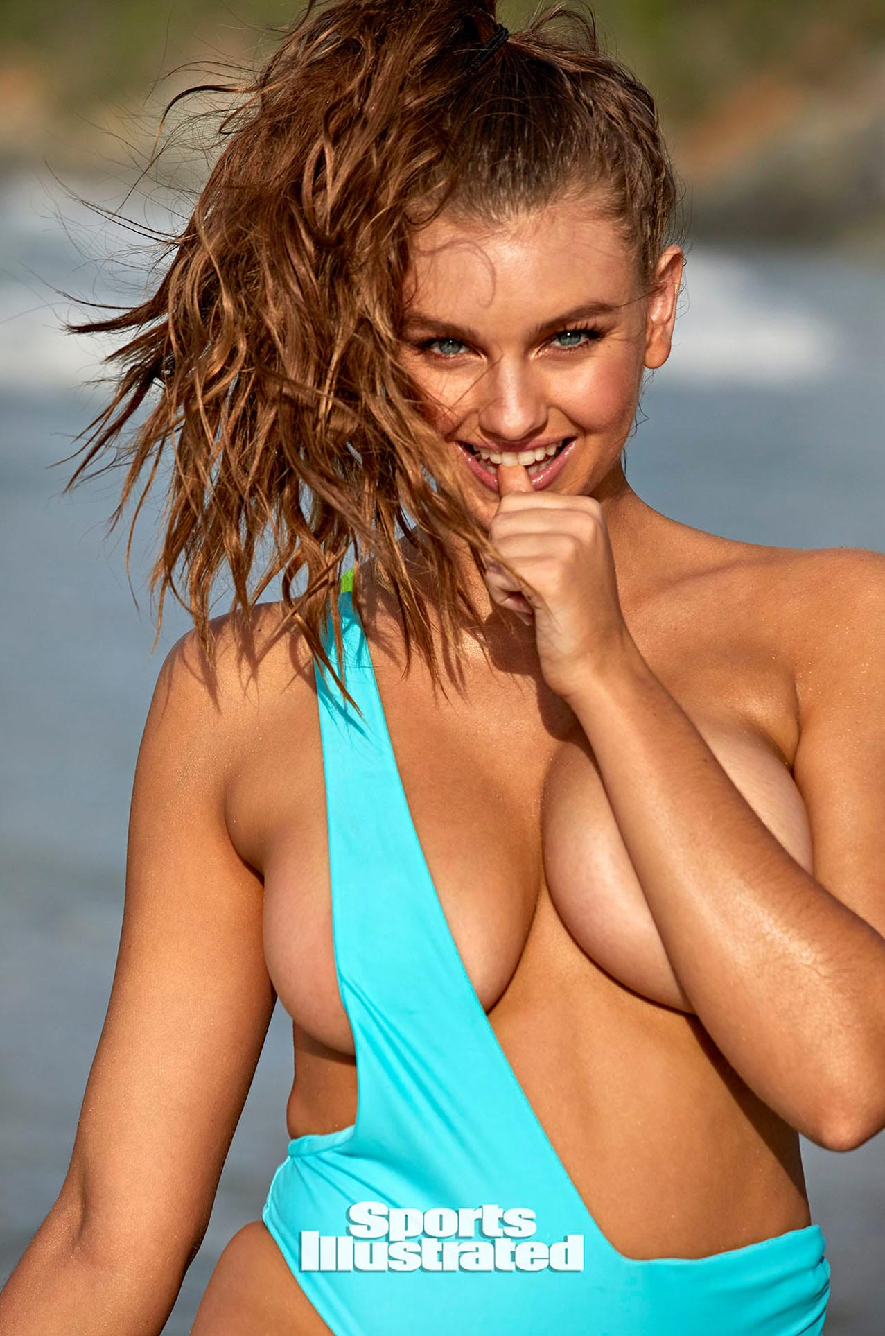 Оливия Брауэр в каталоге купальников Sports Illustrated Swimsuit 2020 / фото 03