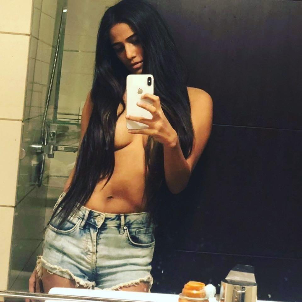 Poonam pandey hot nude boobs-9077
