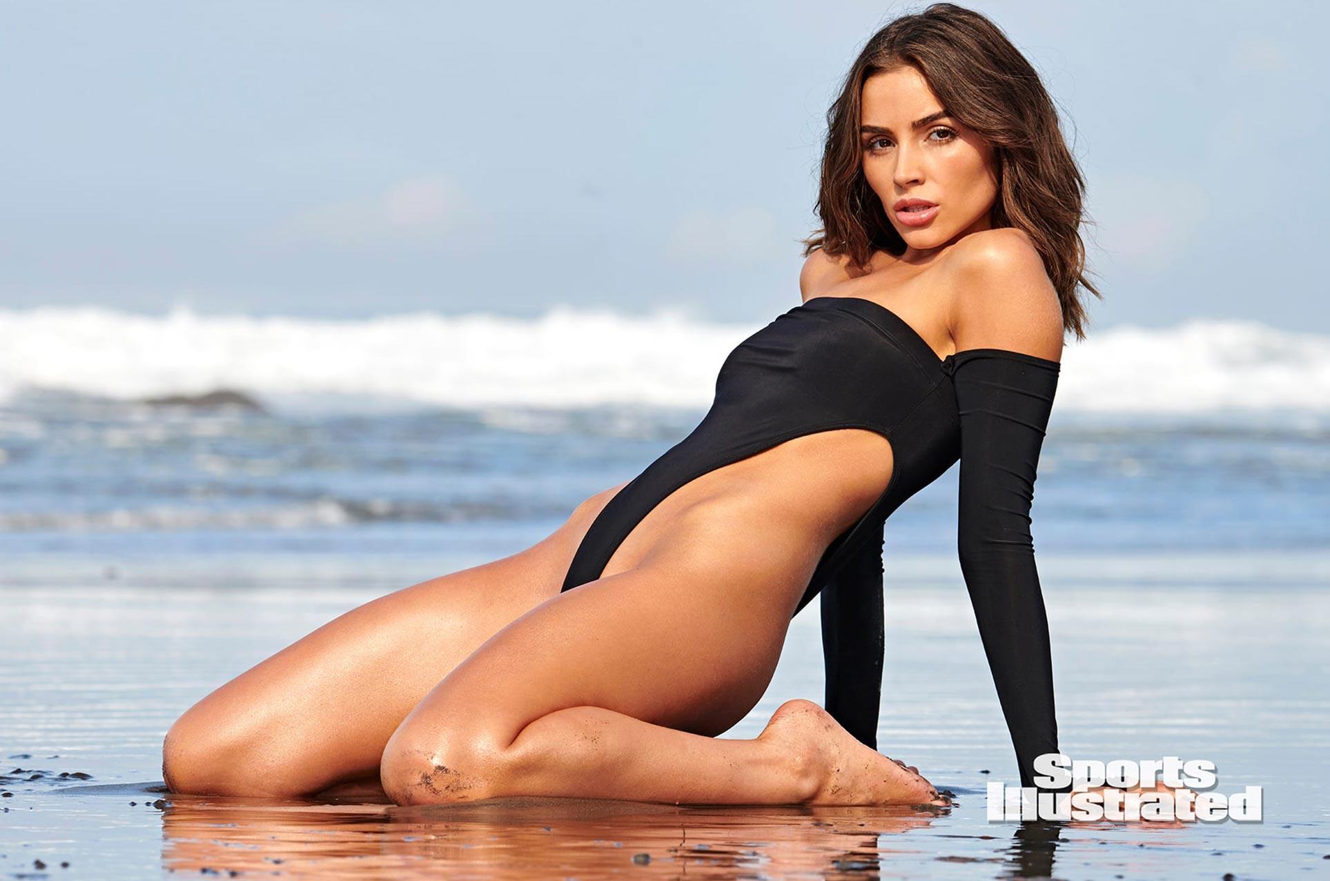 Оливия Калпо в каталоге купальников Sports Illustrated Swimsuit 2020 / фото 09