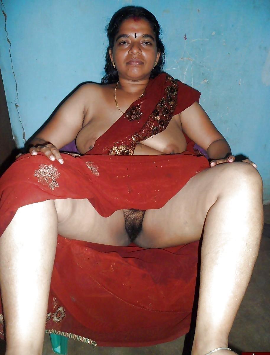 Tamil aunty boobs pic-3946
