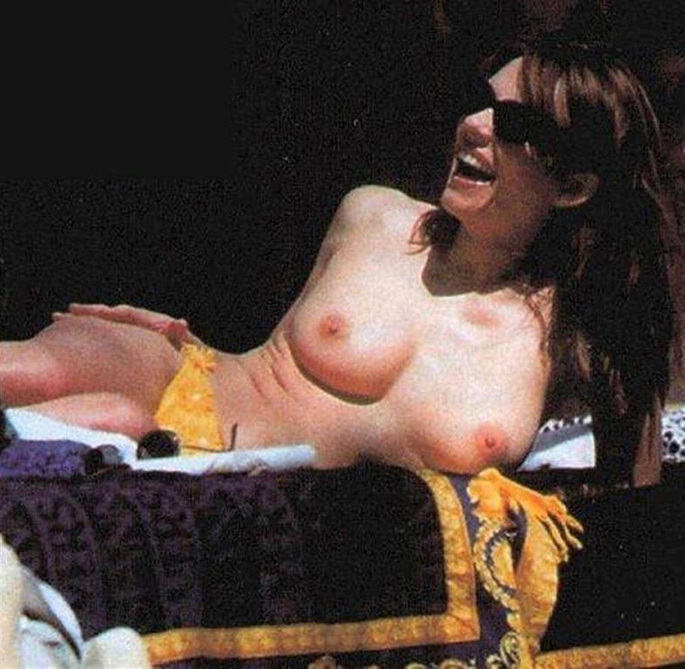Elizabeth hurley nude pictures-5371