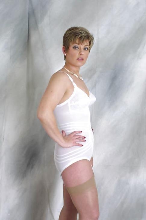 Mature women in girdles pics-2592
