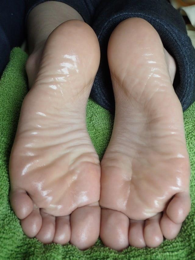 Beautiful feet babes-9230