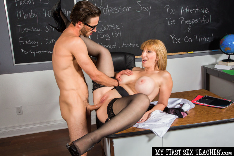 Sara Jay, Lucas Frost – My First Sex Teacher – Naughty America