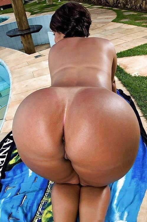 The big black booty-3838