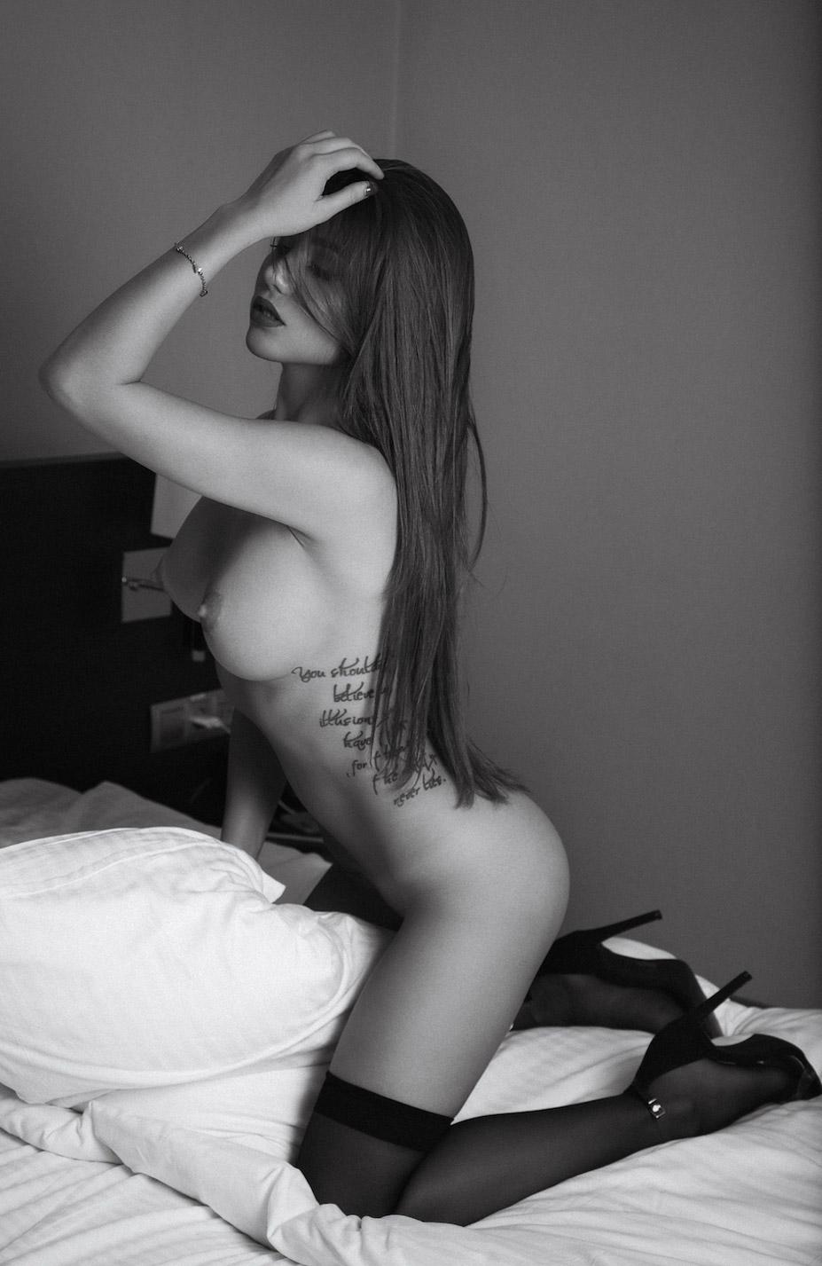 сексуальная и обнаженная Лия Ситдикова / Liya Sitdikova nude by Sergey Korolkov