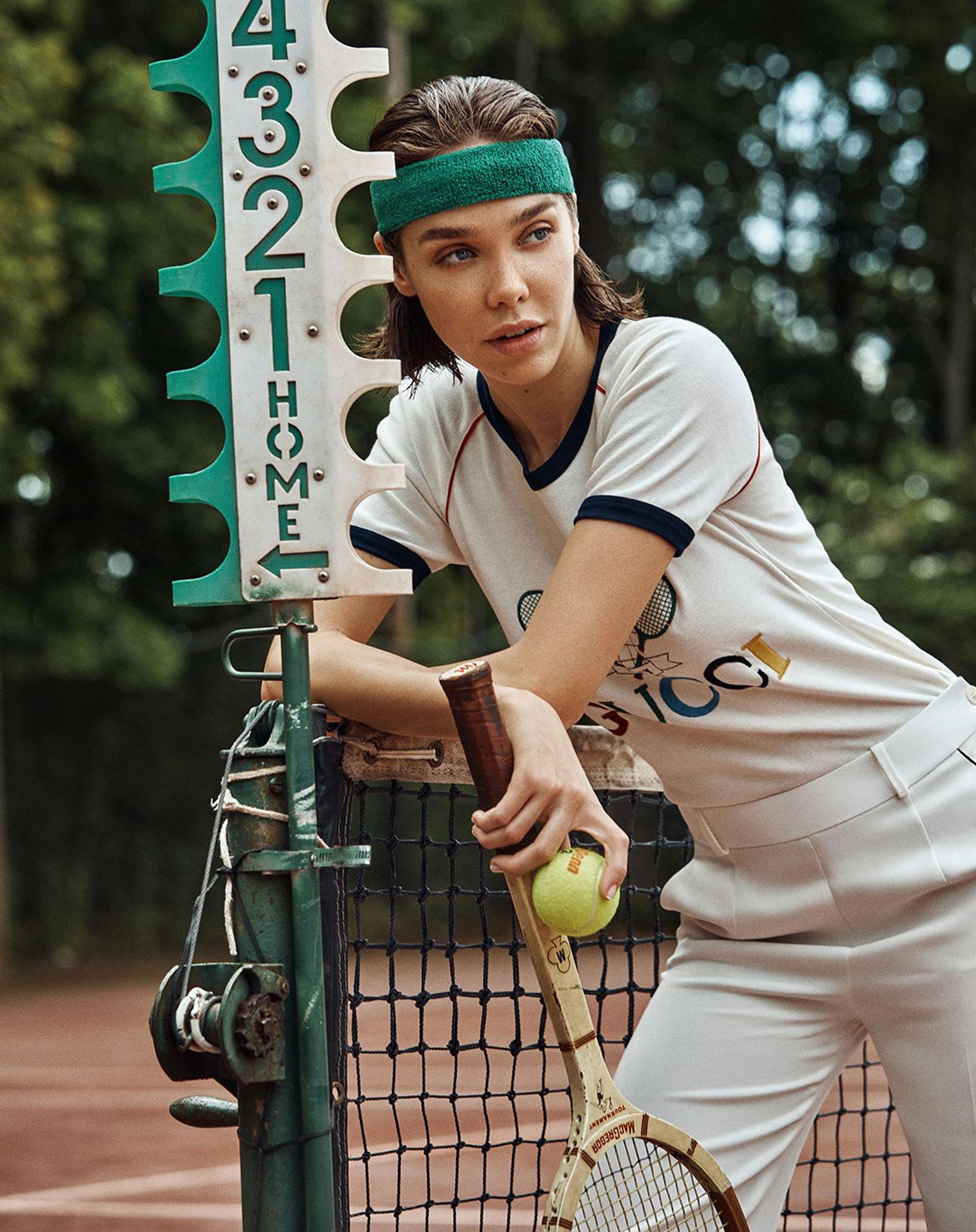 -Королева кортов- Мишель Дантас в модной одежде спортивного стиля / фото 09