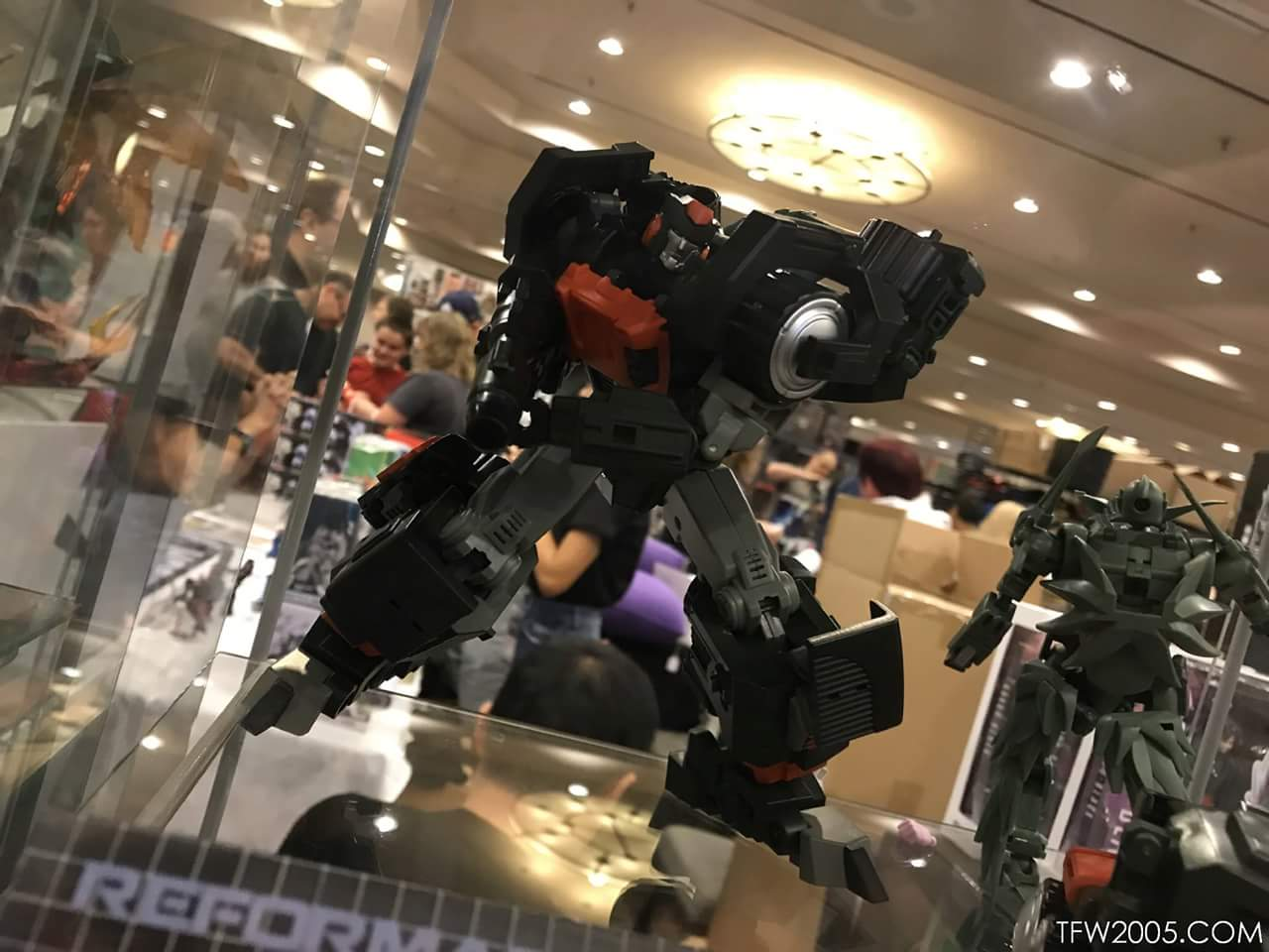 [Mastermind Creations] Produit Tiers - Reformatted  R-34 Cylindrus - aka Roller/Roulo des BD IDW CLzdE7ML_o