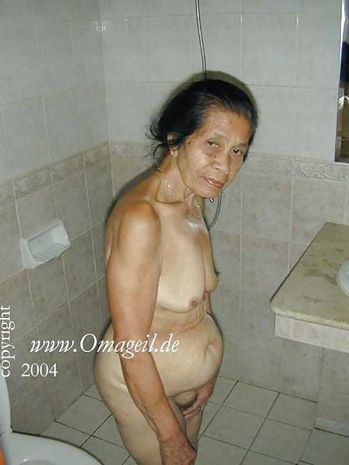 Homemade old granny porn-8065