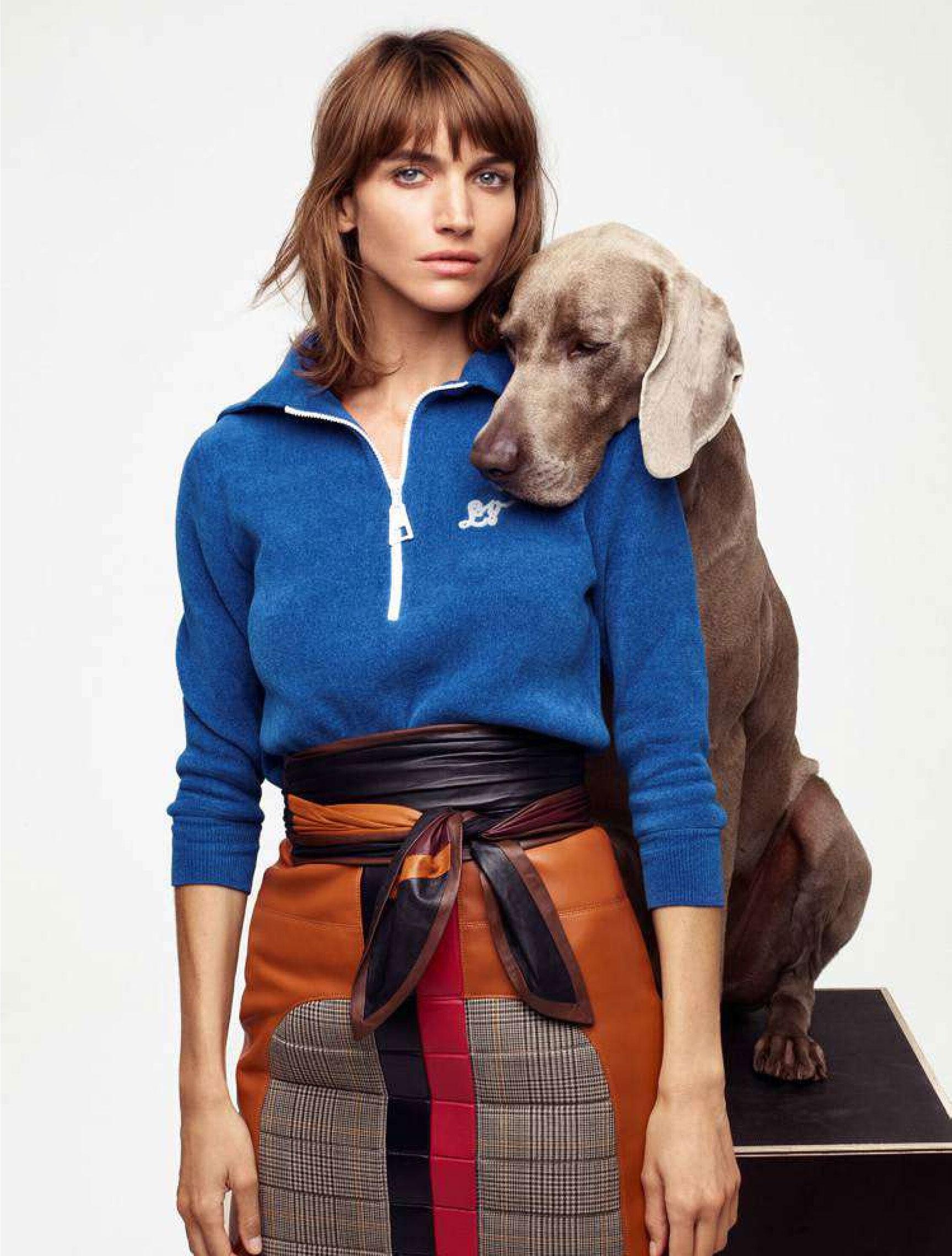 Джоанна Фельдмейер с красивой большой собакой / фото 03