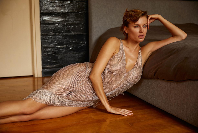 сексуальная Ольга де Мар ждет наступления темноты / фото 06