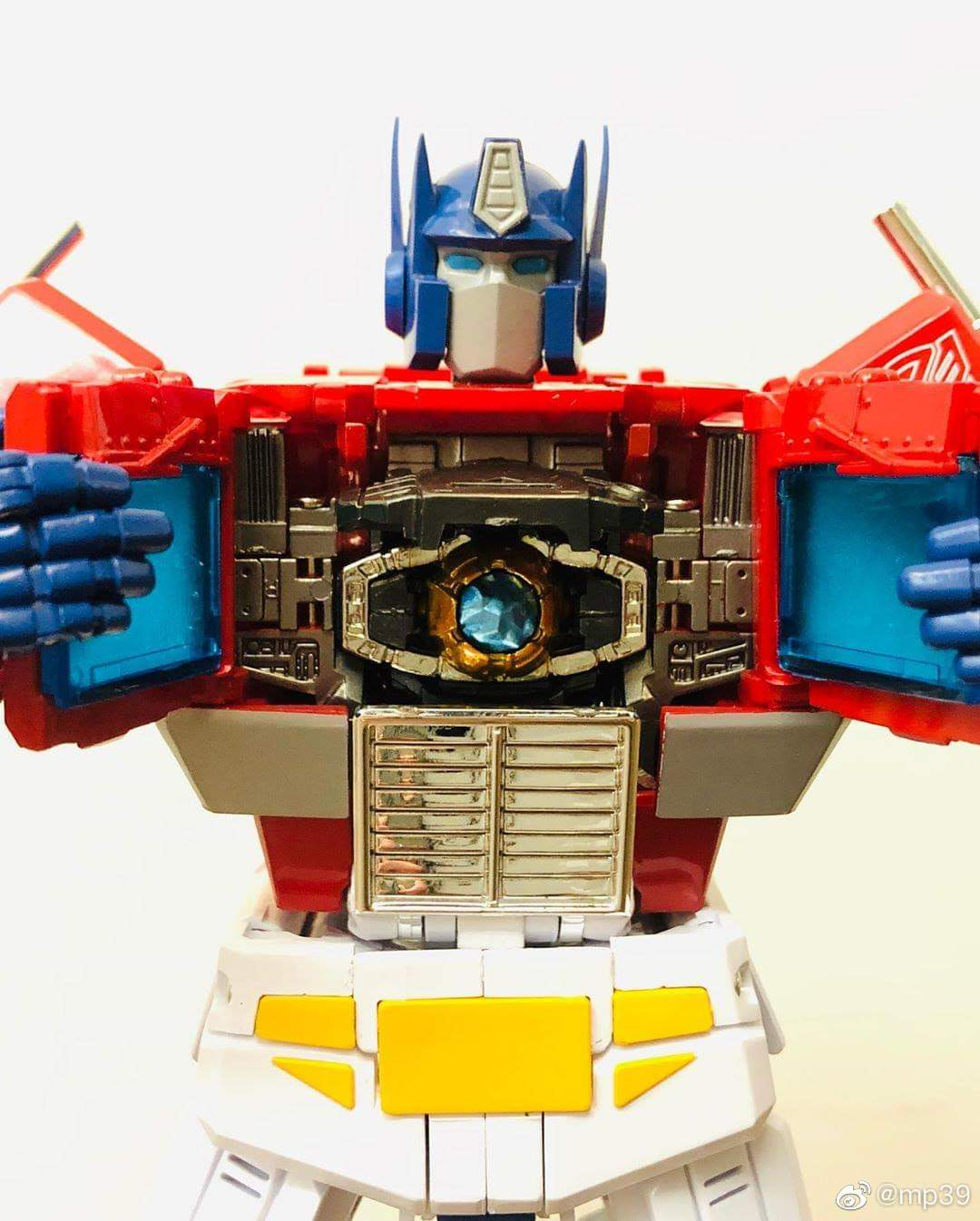 [Masterpiece] MP-44 Optimus Prime/Optimus Primus v3.0 - Page 6 7cBpc4bA_o