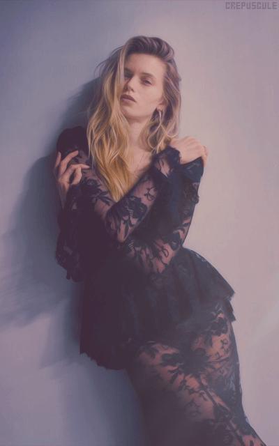 Abbey Lee Kershaw - Page 2 XSFo05l8_o