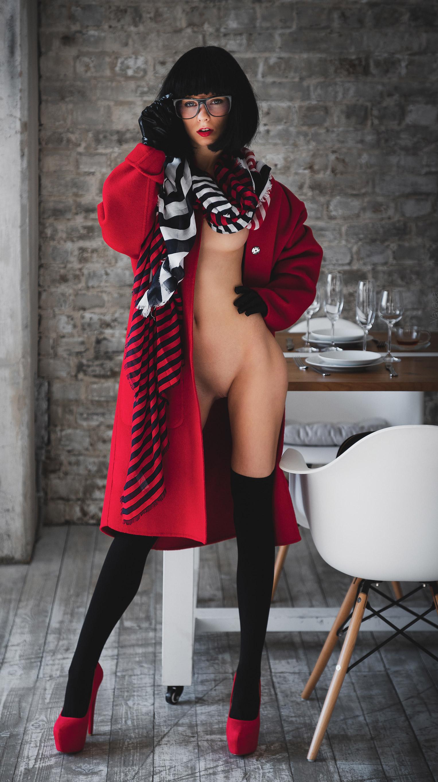в дорогом ресторане - Марта Громова / Marta Gromova nude by Vladimir Nikolaev