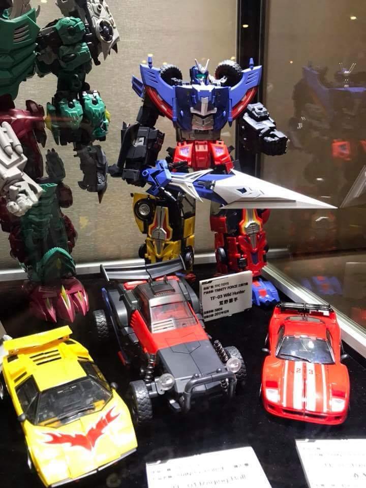 [TFC Toys] Produit Tiers - Jouet Trinity Force aka Road Caesar (Transformers Victory) - Page 3 DfUOL3jW_o