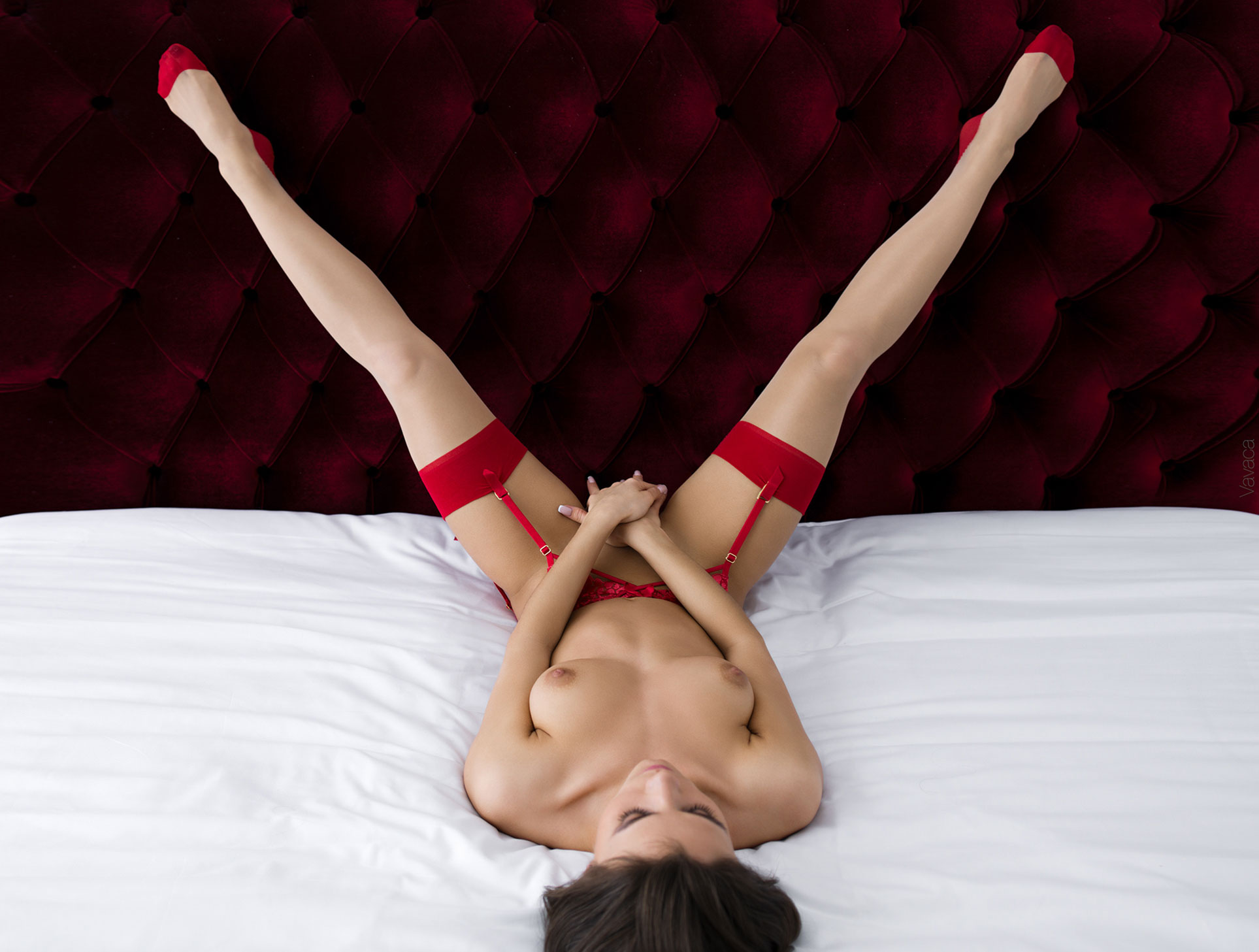 Обнаженная в красном белье - Кристина Макарова / Kristina Makarova by Vladimir Nikolaev