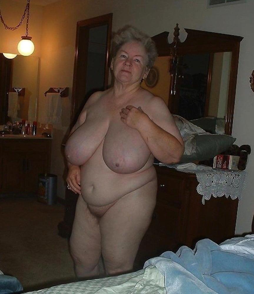 Naked granny porn-2734
