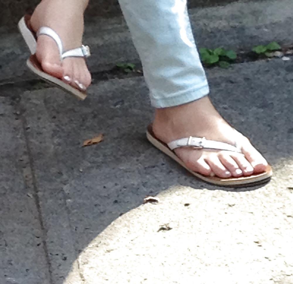 Long toes foot fetish-1687