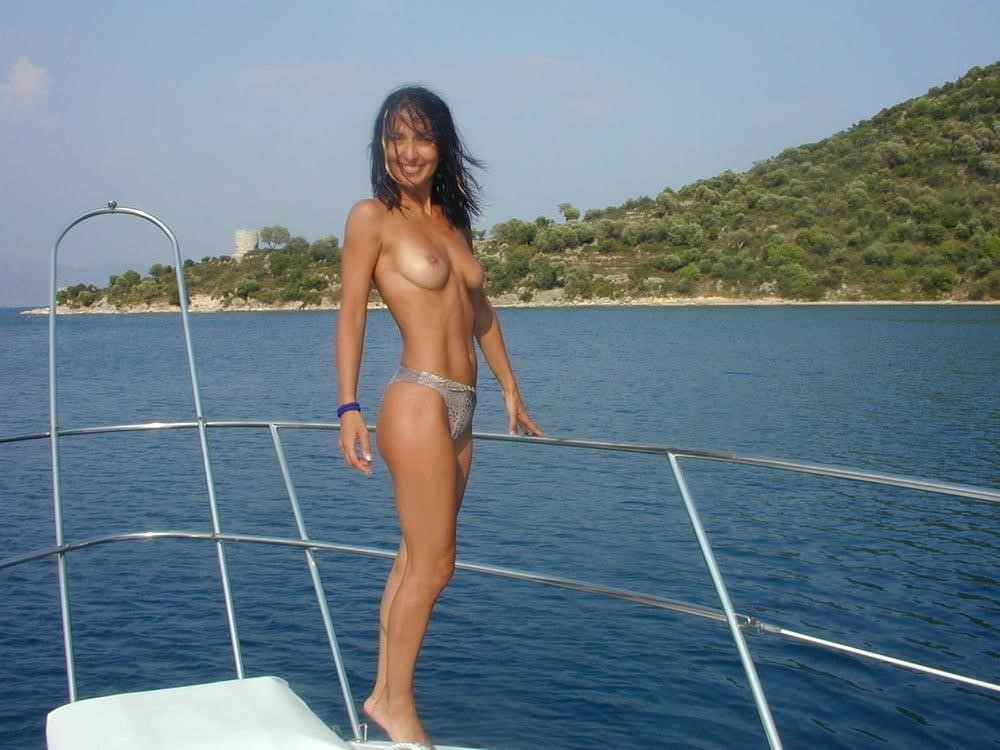 Wife naked on vacation-8737