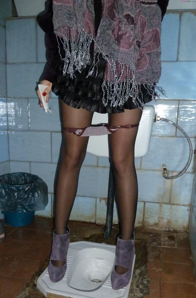 Public toilet fingering-1085