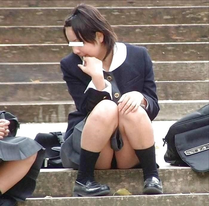 Cute asian schoolgirl-8143
