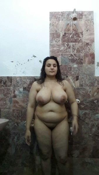 Big boobs lady pic-1042