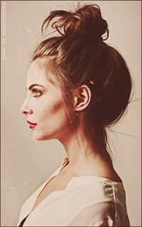 Willa Holland AeKdlAcC_o