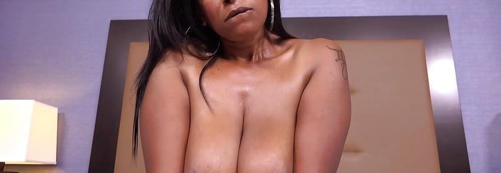 Big black mom booty-3134
