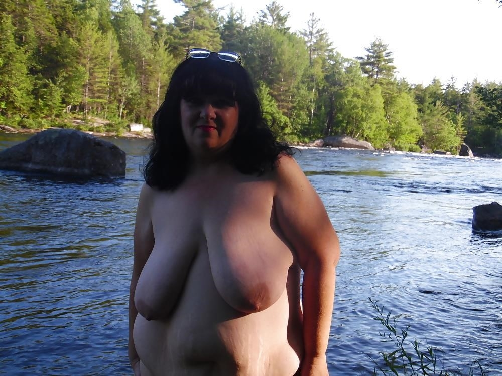 Hot mom big tits pic-6014