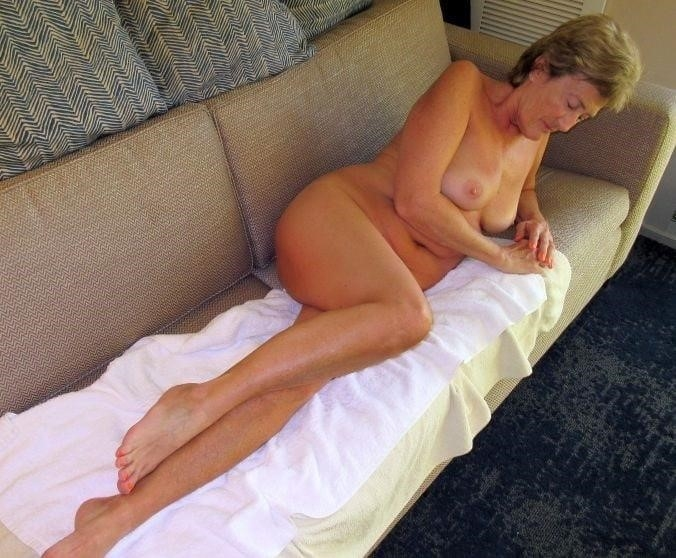 Amateur matures nude pics-5201