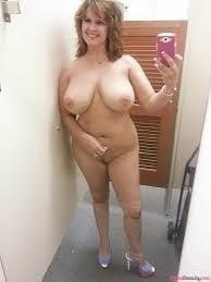 Naked fat girl selfies-3909
