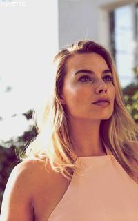 Margot Robbie TU2zJz1j_o