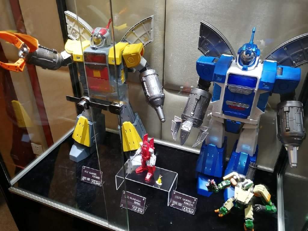 [DX9 Toys] Produit Tiers - Jouet D-12 Gabriel et D-12X Gabriel-X - aka Omega Supreme  et Omega Sentinel (Gardien de Cybertron) L4Zhs0za_o