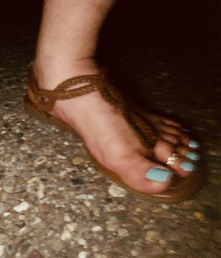 Polish feet slave-3035
