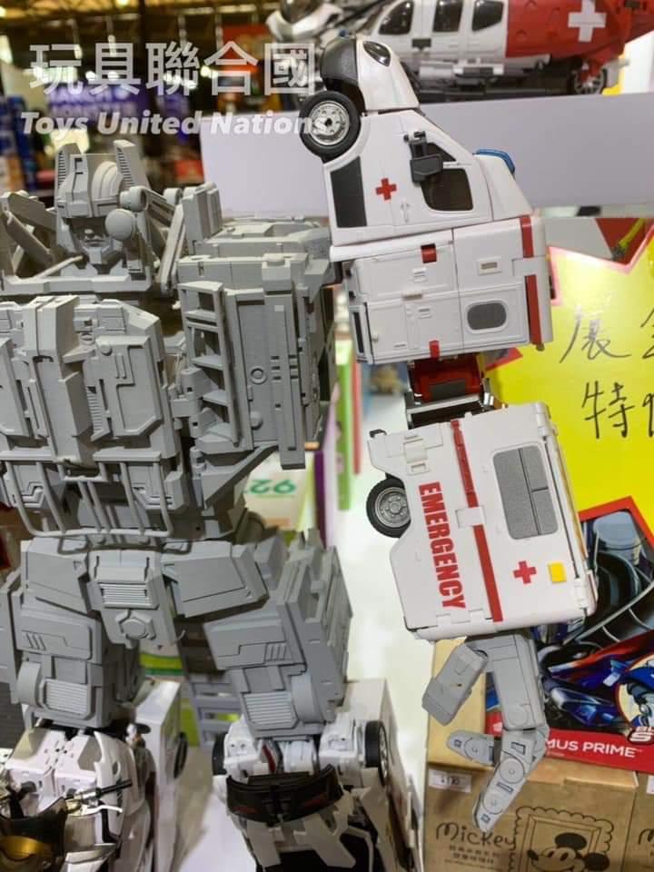 [Generation Toy] Produit Tiers - Jouet GT-08 Guardian - aka Defensor/Defenso - Page 3 WDeRXuo6_o