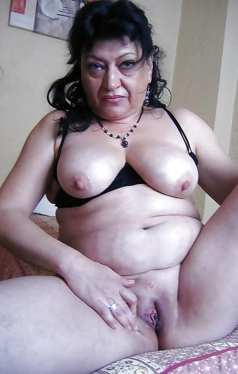 Hairy latina milf pics-2013
