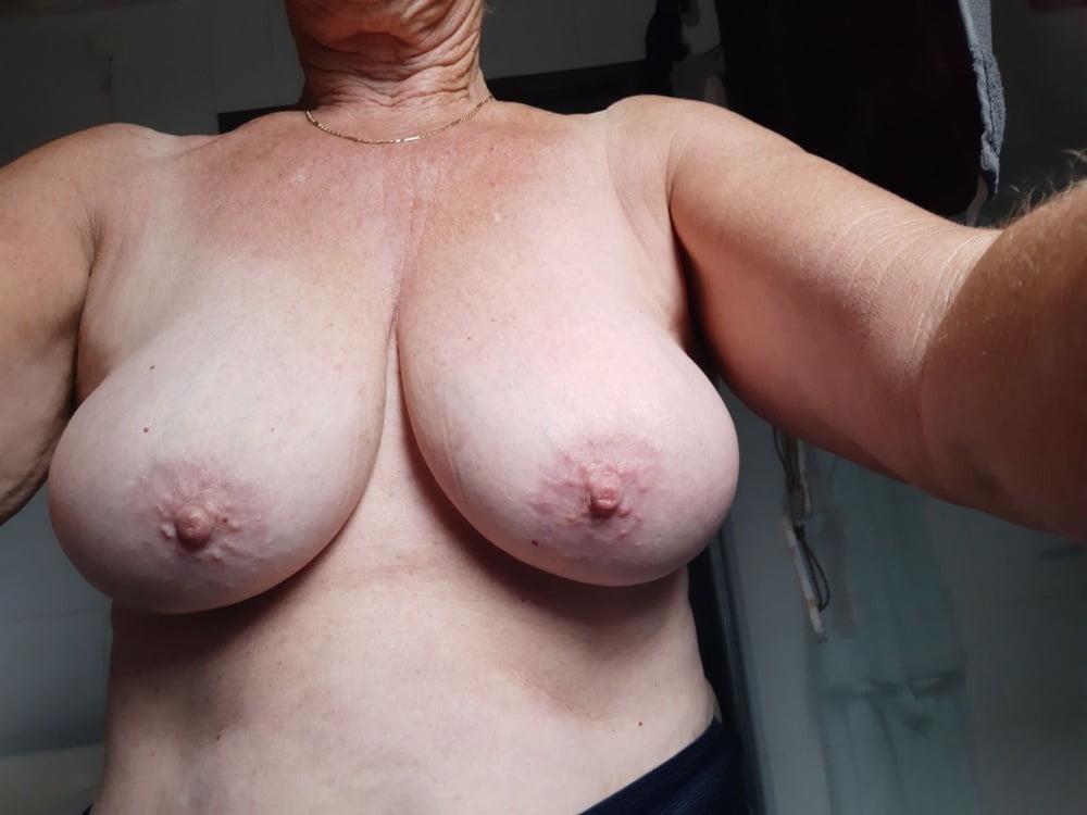 Nice sexy big tits-3912