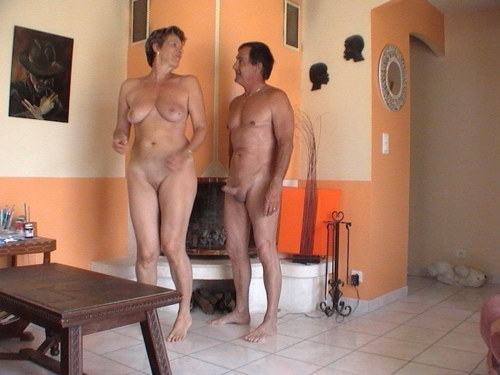Mature couples copulating-5781